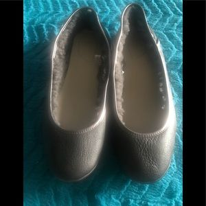 💕UGG FLAT SHOES SIZE 10
